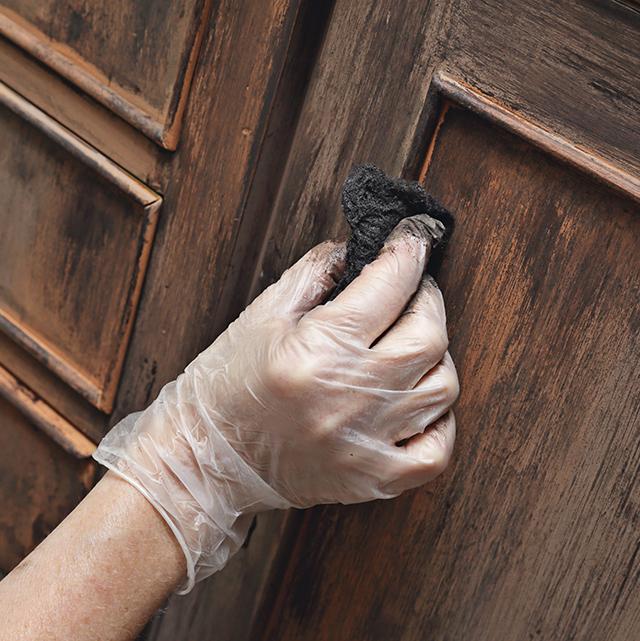 Reparer des bibliotheques en bois